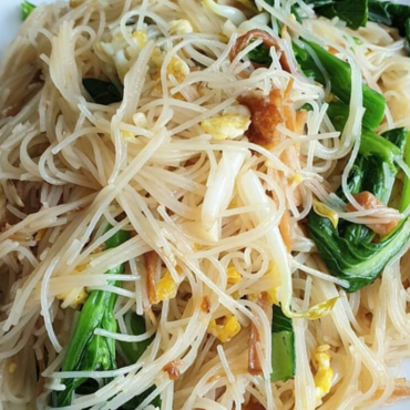 Easy to prepare recipe fried beehoon with stewed pork